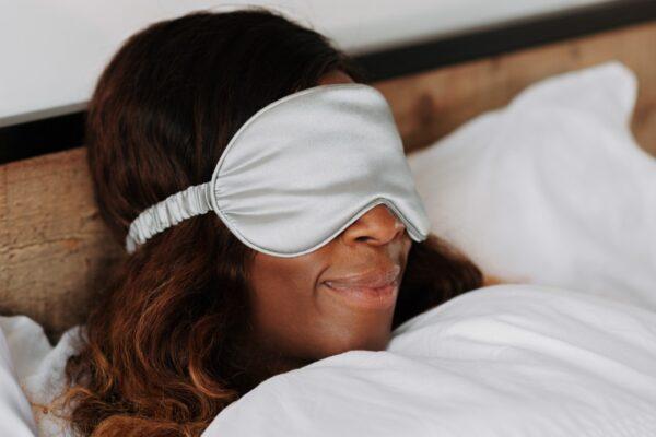 Derfor bør du overveje en sovemaske